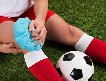 آسیب و درمان  در ورزشهای فوتبال ، والیبال ، کشتی